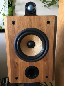 B&W Matrix 805 in Walnut veneer without grille